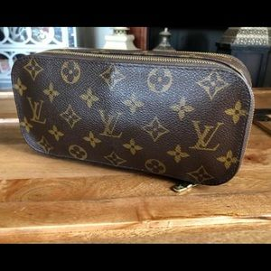 Louis Vuitton Trousse Blush GM Case